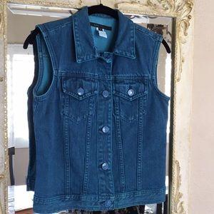Marc Jacobs denim vest. Dyed teal color. Size 4